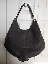 NEW Authentic $2950  Bottega Veneta Maxi Cervo Leather Shoulder Bag Tote Purse