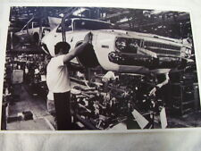 1973 PLYMOUTH SATELLITE ON ASSEMBLY LINE  11 X 17  PHOTO  PICTURE