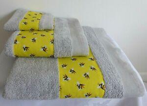 "Bumble Bee, Garden Lovers, Nature - 3 piece Bath, Hand towel & Face cloth ""A"""