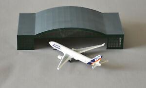 Airport Terminal Hangar (2) short 1/500 Scale
