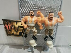 WWF Hasbro series 10 Bushwackers with hat accessories wrestling figures.