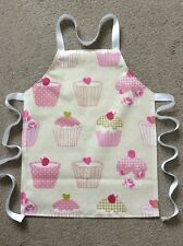 TODDLER'S PVC PLASTIC WIPE CLEAN CRAFT/COOKING APRON-CUPCAKES DESIGN. IDEAL GIFT