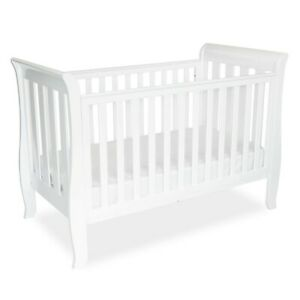 Classic Sleigh Cot in White from BABYHOOD USED
