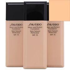 Bases de maquillaje beige Shiseido para el rostro