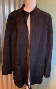 NWOT Chico's Black/Gold Topper, Size 2