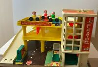 Fisher Price Little People Park Ramp Service Center Garage #930