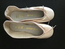 New Without Box Bloch Sonata ballet point shoes size 3.5 A