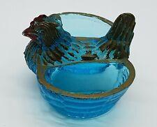 Ancien Saleron Salière Sel Poivre en verre bleu moulé * Poule couveuse au centre