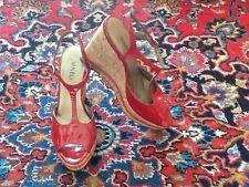 Vaneli Subtle Glitter Red Patent Leather Cork Platform T-Strap Sandals 8.5N EUC