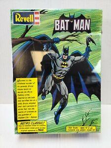 Batman   1999 Revell   1/8 Scale Retro Model Kit   Factory Sealed   DC Comics