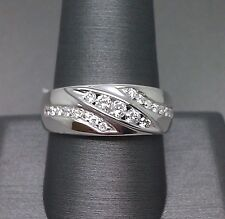 14K Men's White Gold Wedding Band With 0.50CT Diamond
