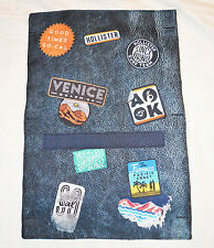 BNWT Hollister Badge Print Design Travel Tech Pouch RRP £15