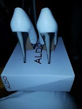 New Aldo ladies shoes 5.5 with attractive distinction heal
