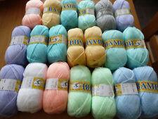 Lot de 20 pelotes laine layette   couleurs variées