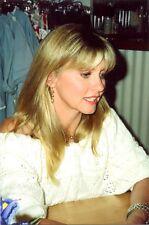 OLIVIA NEWTON JOHN - GREAT PROFILE HEADSHOT - GREAT SMILE !! EARLY 90'S !!