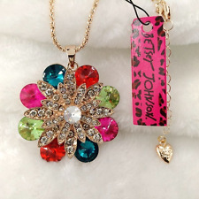NWT Betsey Johnson Diamond White & Rainbow Crystal Daisy Flower Pendant Necklace