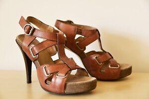 BRONX leather heeled shoes, size 39.