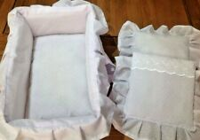 DOLLS/REBORN PADDED CARRY COT/POSING CRIB WITH HANDLES  * LILAC/WHITE/PIN SPOT*