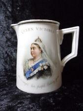 Nouvelle annonce ANTIQUE QUEEN VICTORIA COMMEMORATIVE CREAM JUG 1819 - 1901.