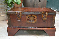 Cassa Cassapanca Baule Forziere in legno e inserti in ferro. Vintage anni 50
