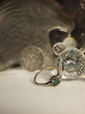 9CT YELLOW GOLD LADIES DRESS RING WITH GREEN STONE & ZIRONIA / RING SIZE : Q