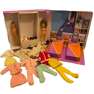 Vintage Fashion Queen Mattel Cosmopolitan Ginger Crochet Clothing Bedroom Case