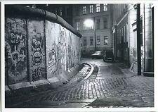 BERLIN Mauer Kreuzberg/Neukölln bei Nacht Autos Ente/2 CV