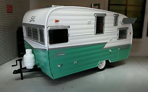 1:24 Scale Green 1961 Shasta Airflyte American Caravan Diecast Detailed Model