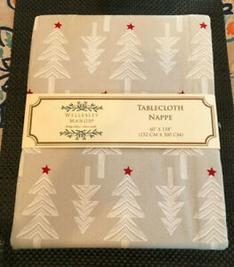 """Wellesley Manor CHRISTMAS TREES & STARS 60 x 118"""" White Gray Red Tablecloth--NWT"""
