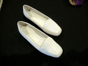 Enzo Angiolini white leather flats shoes loafers, sz. 6M