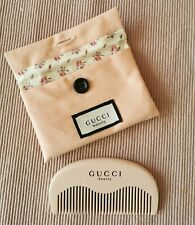 Gucci Beauty Kamm Holz rosa mit Tasche Beauty Bag in rosa NEU