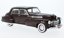 Cadillac Fleetwood Series 60 Special Sedan, dunkelrot, 1:18, MCG