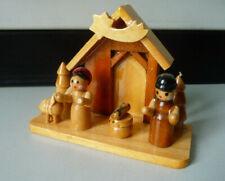 Kleine Miniaturkrippe aus Holz (II) / Volkskunst Erzgebirge ?