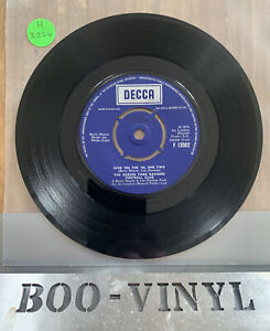 """Queens Park Rangers Football Club - Give 'Em The 'Ol One Two 7"""" vinyl record EX"""