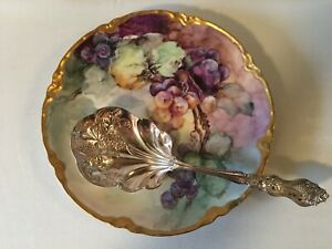 "Vintage American Silver Co. ""1906 Moselle"" Grapes Siverplate Large Berry Spoon"