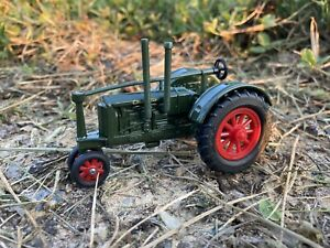 Ertl Vintage Vehicles Massey-Harris Challenger Tractor 1/43 Scale EUC
