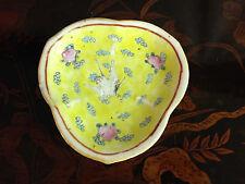 Antique Chinese Qing Dynasty Tongzhi Mark Porcelain Tazza w/ Bird Decoration
