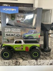 Used! Axial 1/24 SCX24 B-17 Betty Limited Edition 4WD RTR (Green) - AXI00004