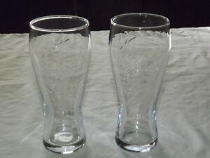 VINTAGE BAR 2  BUDWEISER EMBOSSED BEER DRINKING GLASSES