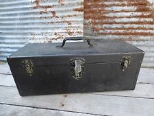 VTG METAL TACKLE BOX/ BLACK BOX/ TOOL BOX/ RUSTY PRIMITIVE/ MAN-CAVE/ INDUSTRIAL