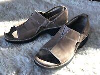 "Covington ""Claxton"" Women's Shoes Tan Leather Open Toe Elastic Band Sz 7M"