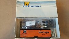 Walthers 40' DS wood reefer w/wood ends ATSF grand canyon line #26072