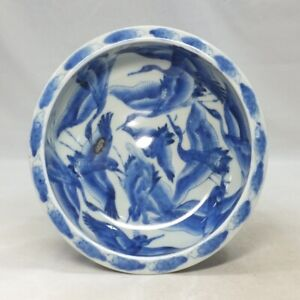 A847: Japanese bowl of OLD IMARI blue-and-white porcelain with crane painting