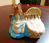 Beatrix Potter's Mouse & Cradle HUNCA MUNCA 1951 BESWICK ENGLAND F. Warne & Co.