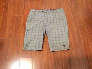 Mountain Hardwear = Activities Women's Short Pant = Size 8