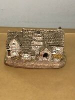 Beautiful Vintage Lilliput lane (Tintagel)collectible Lovely Cottage Ornament