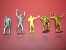 5 FOOTBALL PLAYERS  5 inch playset sports figures plastic 1960's? Marx? LOT 1