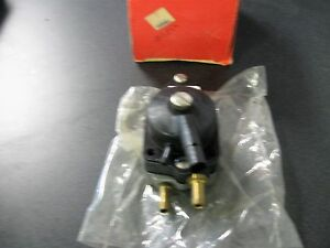 JOHNSON EVINRUDE FUEL PUMP AY 0438558 438558 BIN70