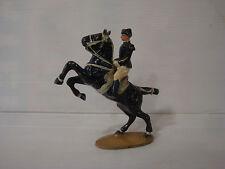 Figurine ancienne quiralu : cavalier cadre noir de Saumur n°1