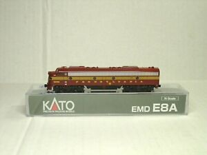 KATO N SCALE E8A POWERED LOCOMOTIVE DCC READY PENNSYVANIA 176-5314